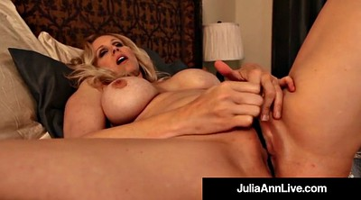 Julia ann, Mature dildo