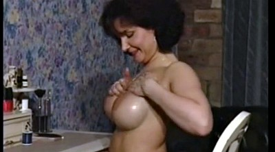 Milf, Strip