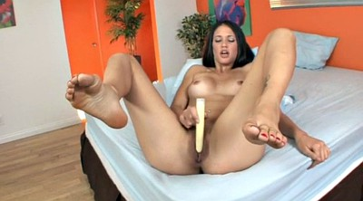 Tiffany, Tiffany thompson, Solo feet