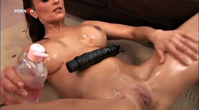 Oiled, Bitch