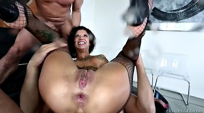Squirting threesome, Master