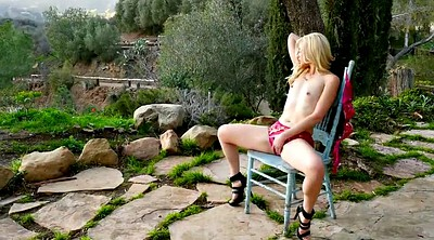Charlotte, Outdoor masturbation