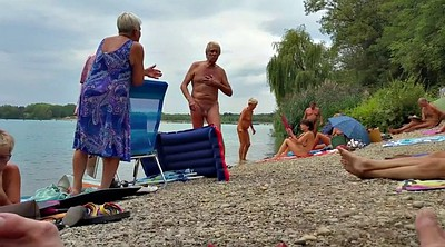 Nudist beach, Nudists