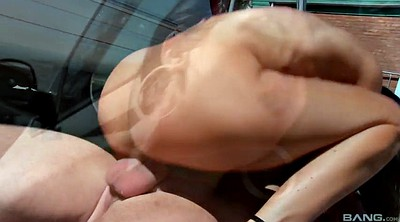 Jasmine, Car blowjob