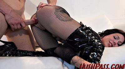 Boots, Gag