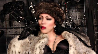 Mistress t, Fur, Smoke