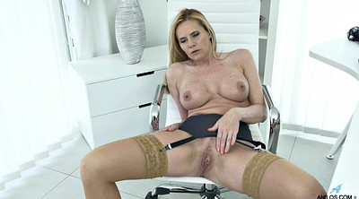 Matures, Mature blonde