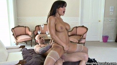 Lisa ann, Ann, Piercing, Busty mom