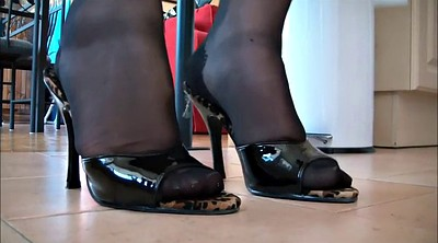 Nylon feet, Black foot