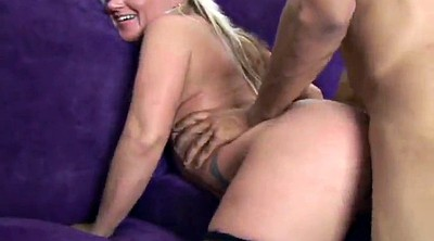 Pussy lick, Pussy fingering