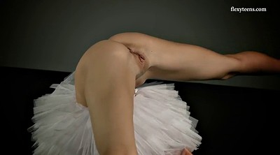 Beauty, Upskirt pussy, Pussy show, Ballet