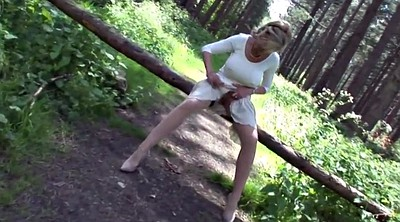 Outdoor pee, Forest