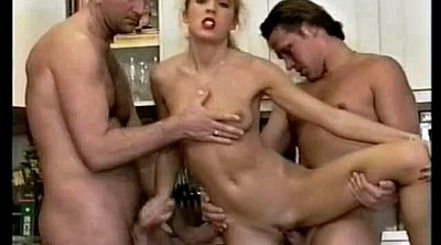 Sisters, Sister threesome, Double penetrate