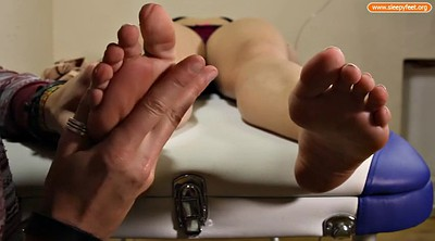 Nylon feet, Sleepy feet, Sleepy