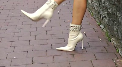 Boots, White blond
