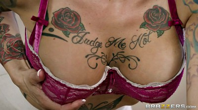 Anna bell, Anna bell peaks, Tattooing, Clothed