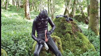 Rubber, Outdoors