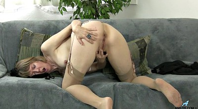 Big clit, Mom masturbating