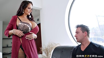Ava addams, Thief
