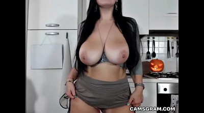 Cam solo, Huge boobs