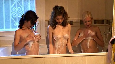 Three, Shower, Three girls