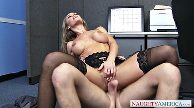 Nicole aniston, Worker