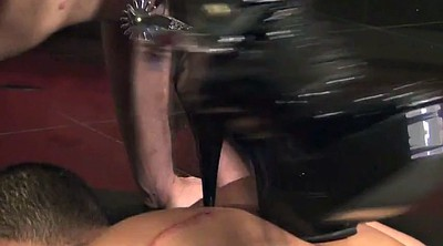 Femdom, Whipping