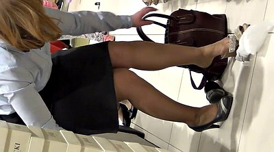 Mature feet, Shopping