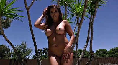 Boobs, Mature outdoor