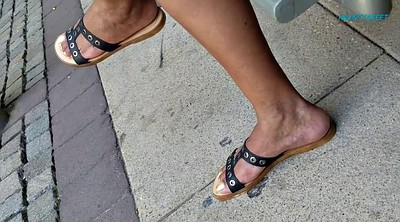 Mature foot, Candid