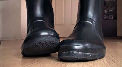 Rubber, Foot licking