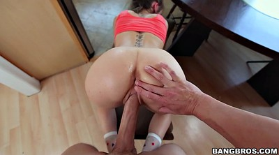 Riley reid, Riley, Hit
