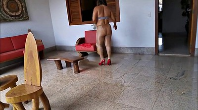 Mature pantyhose, Walk