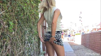 Babes, Outdoor masturbation