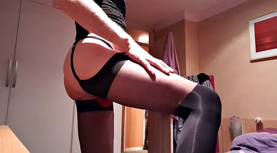Crossdresser, Stocking handjob