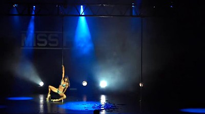Maddy, Place, Miss, Pole dancing