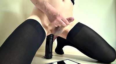 Asian dildo, Gaping