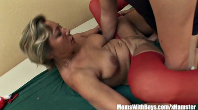 Sleeping milf, Red