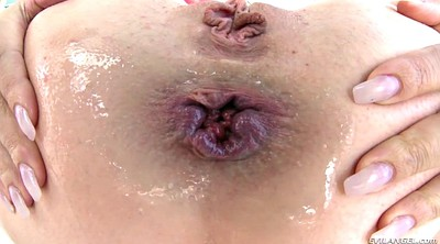 Lubed, Gaping