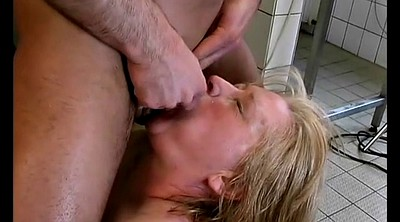 Mom anal, Extreme anal