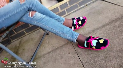 Nylon feet, Ebony feet, Barely