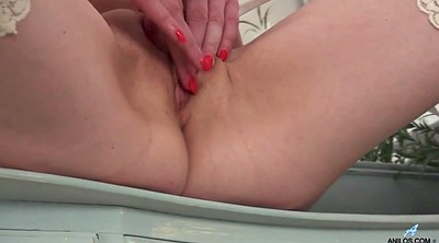 Grandma, Mature masturbation