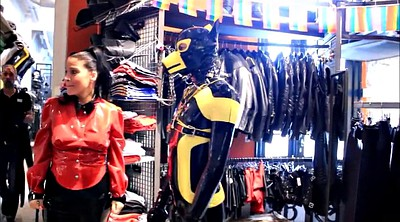 Latex, Walking, Dutch, Dogs