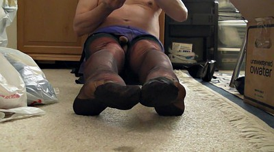 Gay panty, Nylon feet