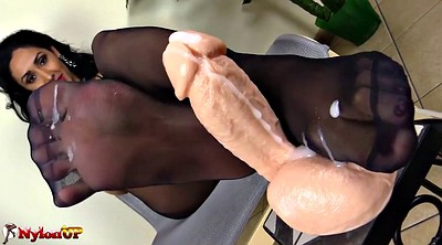 Foot fetish, Pantyhose footjob