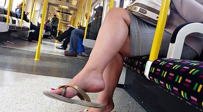 Tube, Candid feet