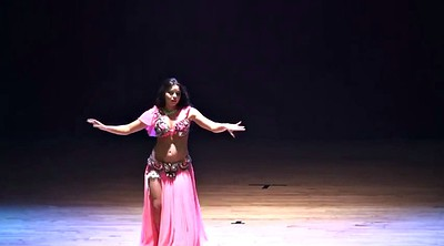 Celebritis, Belly dancing