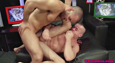 Muscled, Muscle gay, Gay kiss