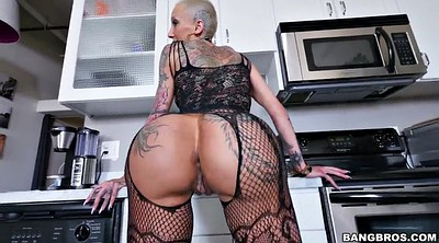 Tattoo, Shake, Big ass milf solo