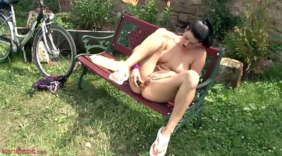 Masturbation orgasm, Outdoor masturbation